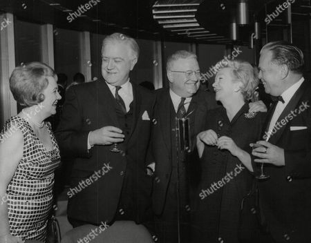 Picture Shows L-r: Mrs Andrew Cruickshank Andrew Cruickshank (actor) Bill Boorne Evening News Theatre Critic Actress Beryl Reid And Billy Butlin At The G.p.o. Tower. Box 768 929061718 A.jpg.