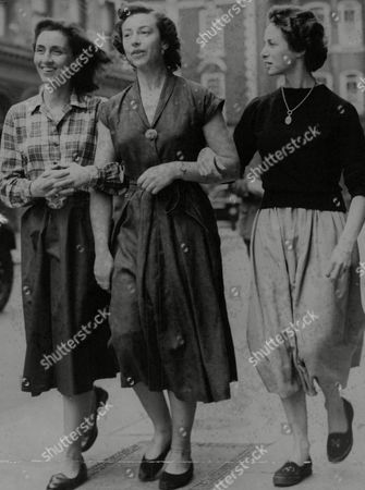 Actresses L-r: Rosalie Crutchley Margot Van Der Burgh And Clare Austin Who Are To Appear As Sisters In The Tv Play: The Three Sisters. Box 768 529061725 A.jpg.