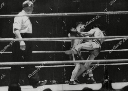 Boxing: Dave Cowley V Ben Duffy At The Royal Albert Hall. Cowley Pictured Bouncing On The Ropes. Cowley Lost The Fight On Points. Box 768 82906172 A.jpg.