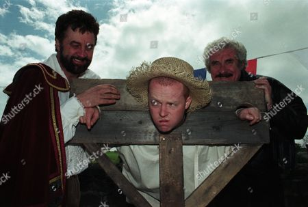 Ep 2231 Thursday 17th July 1997  The Dingles open up their land as an historic site called Crowell's Dungeon - a medieval English theme park. Lisa is dress as Nell Gwynn, selling tomatoes to throw at Butch in stocks. Albert is dress as an executioner, who 'beheads' Marlon, dress as Richard III - With Albert Dingle, as played by Bobby Knutt ; Zak Dingle, as played by Steve Halliwell ; Butch Dingle, as played by Paul Loughran.