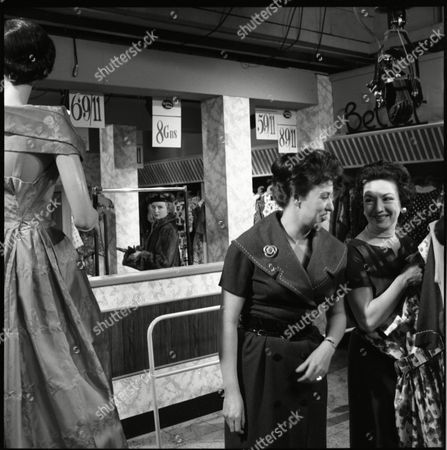 Avril Angers (as Norah Dawson), Pat Phoenix (as Elsie Tanner) and Joan Francis (as Dot Greenhalgh)