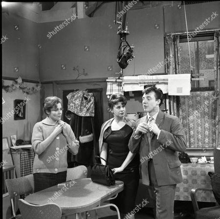 Anne Cunningham (as Linda Cheveski), Pat Phoenix (as Elsie Tanner) and Philp Lowrie (as Dennis Tanner)