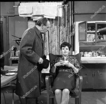 Frank Crawshaw (as Arnold Tanner), Pat Phoenix (as Elsie Tanner)