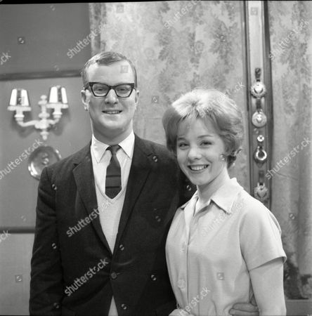 Cavan Malone (as Gordon Davies) and June Barry (as Joan Davies)