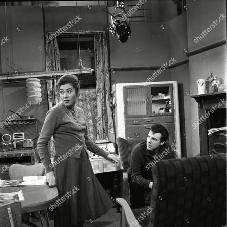 Stock Photo of Anne Cunningham (as Linda Cheveski) and Philp Lowrie (as Dennis Tanner)