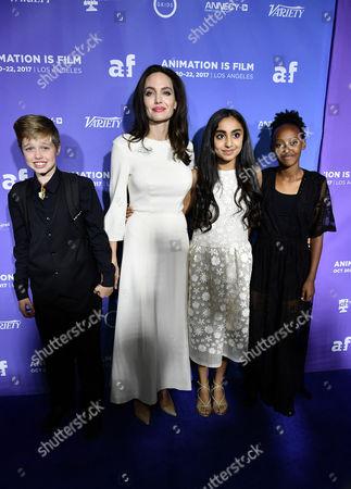 Shiloh Jolie-Pitt, Angelina Jolie, Zahara Jolie-Pitt and Saara Chaudry