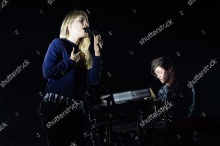 London Grammar performing. Hannah Reid, Dominic ' Dot Major