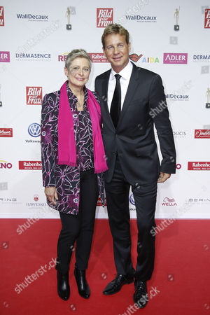Barbara StÅ cker and Thomas Heinze