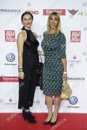 Carin C. Tietze mit ihrer Tochter Lilly Tietze (links)