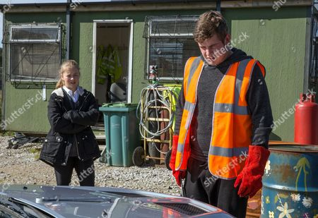 Ep 7985 Thursday 9th November 2017 - 2nd Ep Liv's, as played by Isobel Steele, aghast to see the damage Gerry, as played by Shaun Thomas, has caused to Aaron's car.