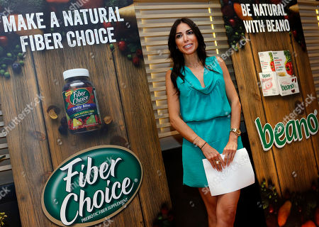 """Stock Photo of Registered dietician and creator of """"The F-Factor Diet"""" Tanya Zuckerbrot emphasizes the many benefits of a fiber-rich diet to attendees at a FiberChoice and Beano event, in New York. Zuckerbrot, a leading expert on high-fiber nutrition, has partnered with FiberChoice and Beano for its new campaign focusing on easy ways to increase fiber consumption"""