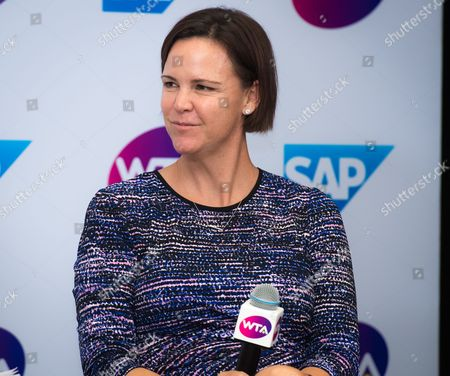 Lindsay Davenport unveils SAP Tennis Analytics during a presentation