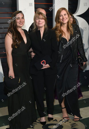 Madison Fisk, from left, Sissy Spacek, and Schuyler Fisk arrive at the Vanity Fair Oscar Party, in Beverly Hills, Calif