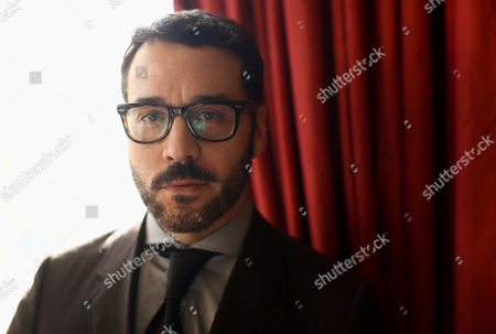 """Actor Jeremy Piven, from the television series """"Mr. Selfridge,"""" poses for a portrait during the PBS Winter TCA Tour at the Langham Huntington Hotel in Pasadena, Calif. """"Mr. Selfridge,"""" based on the nonfiction book """"Shopping, Seduction & Mr. Selfridge"""" by Lindy Woodhead, details Harry Gordon Selfridge's quest to bring brassy American salesmanship to the hidebound world of British shops with his enduring Selfridges & Co"""