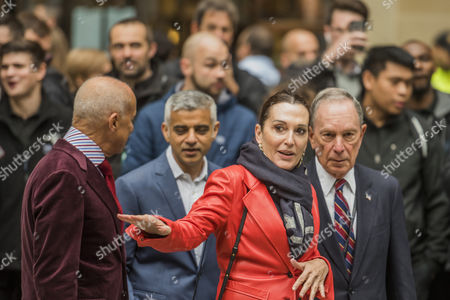 Norman Foster, Sadiq Khan and Michael Bloomberg with the artist Cristina Iglesias