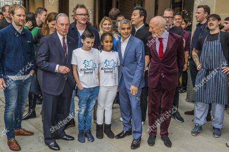Michael Bloomberg, Sadiq Khan and Norman Foster with kids form Kitchen Social