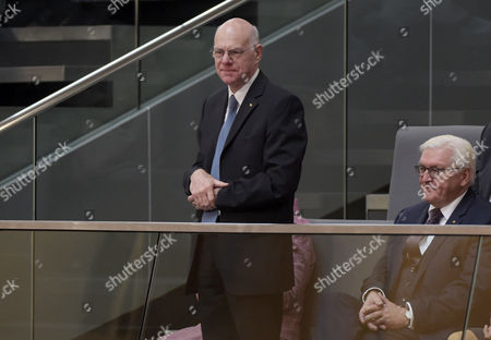 The former President of the Bundestag Norbert Lammert (L), and German President Frank-Walter Steinmeier during the constituent meeting at the Bundestag in Berlin, Germany, 24 October 2017. The newly elected German Bundestag holds its constituent meeting of Parliament in its 19th electoral period. The meeting will be opened with a speech by the chairman by seniority followed by the election of the President of the Bundestag and the other members of the Presidium, as well as the decision on the agenda of the German Bundestag.