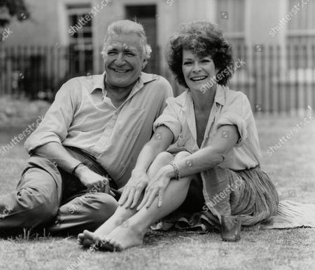Nigel Davenport And Helen Suzman Actors Due To Co-star In West End Play 'cowardice'. Box 773 720071718 A.jpg.