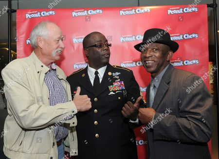 Mickey Rivers, Goose Gossage. Former Yankees player Goose Gossage, left, and Mickey Rivers, right, chat with CSM Wright, of the 8th Special Forces Regiment New York Honor Guard VSO, at the kick-off of the 2017 USO of Metropolitan New York Holidays for Heroes program during the Goldenberg's® Peanut Chews® 100th anniversary celebration event, in New York