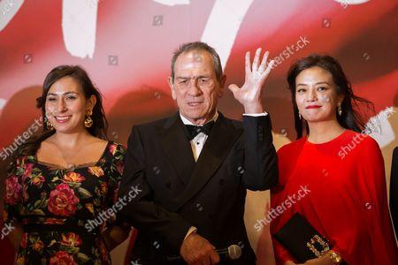 Tommy Lee Jones, Victoria Jones and Zhao Wei