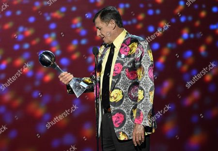 Craig Sager accepts the Jimmy V award for perseverance at the ESPY Awards at Microsoft Theater in Los Angeles. Sager's son says his father will undergo a third bone marrow and stem cell transplant, as he continues his cancer fight