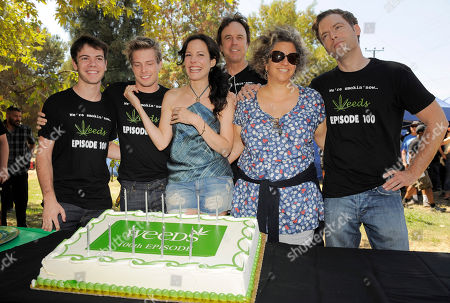 "Jenji Kohan, second from right, executive producer and creator of the Showtime series ""Weeds,"" poses with the show's cast members, from left, Alexander Gould, Hunter Parrish, Mary-Louise Parker, Kevin Nealon and Justin Kirk at a party to celebrate the show's 100th episode, in Los Angeles. Weed is in its final season and will end its eight-year run in September"