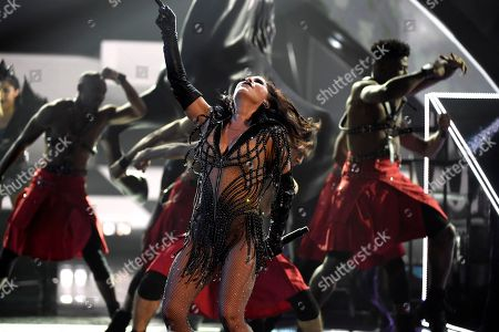 """Alejandra Guzman performs """"Mas Buena"""" at the Latin American Music Awards at the Dolby Theatre, in Los Angeles"""