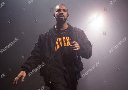 Editorial image of People-Drake-Tour Bus Burglarized, New York, USA
