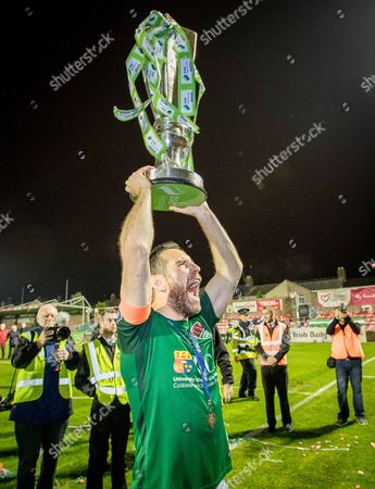 Cork City vs Bray Wanderers. Cork City's Alan Bennett celebrates with the trophy