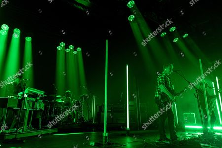 Queens Of The Stone Age - Dean Fertita, Jon Theodore, Josh Homme and Michael Shuman