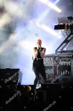Deryck Whibley performs with Linkin Park during Linkin Park and Friends Celebrate Life in Honor of Chester Bennington at the Hollywood Bowl, in Los Angeles
