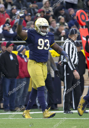 Notre Dame defensive lineman Jay Hayes (93) during NCAA football game action between the North Carolina State Wolfpack and the Notre Dame Fighting Irish at Notre Dame Stadium in South Bend, Indiana. Notre Dame defeated North Carolina State 35-14