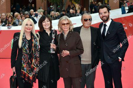 Monika Bacardi, the director Graciela Rodriguez Gilio, Marina Cicogna with the Ischia Global prize, Tony Renis and Andrea Iervolino