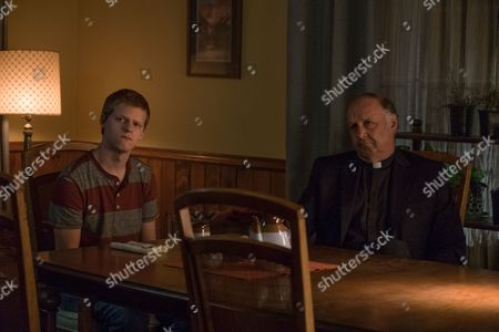 Lucas Hedges, Nick Searcy