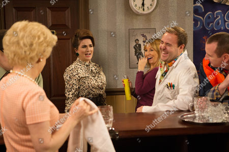 Elsie Tanner (Debbie Rush), Tyrone (Alan Halsall) and Kirk (Andrew Whyment)