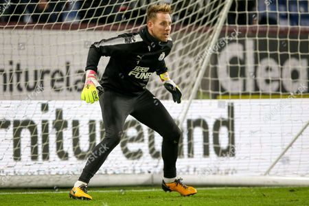 Newcastle United goalkeeper Rob Elliot (1) warming up  during the Premier League match between Burnley and Newcastle United at Turf Moor, Burnley