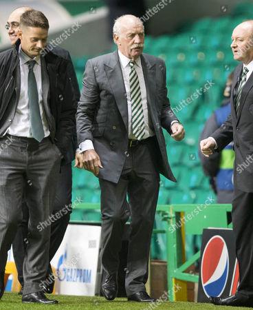 CELTIC PARK - CHAMPIONS LEAGUE CELTIC V BAYERN MUNICH Celtic majority shareholder Dermot Desmond (centre) arrives at ground