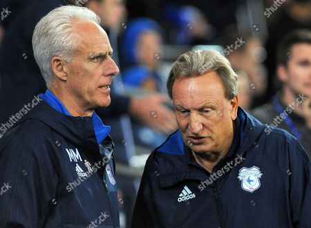 Ipswich Town manager Mick McCarthy talks to Cardiff City manager Neil Warnock before kick-off