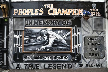 Alex Higgins memorial mural, Sandy Row