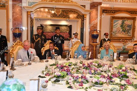 Prince Charles, the Sultan of Brunei, Queen Saleha of Brunei and Camilla Duchess of Cornwall at Istana Nurul Iman