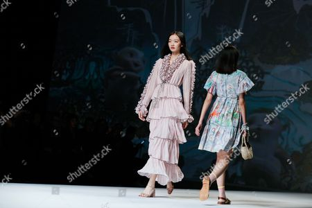 Models present a creation by Hong Kong's designer Vivienne Tam during the Mercedes-Benz China Fashion Week in Beijing, China, 02 November 2017. The fashion event runs from 29 October to 07 November.