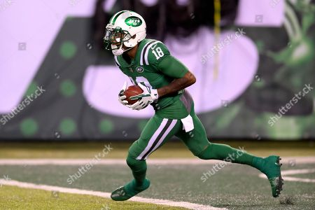 eba5df0d2ed New York Jets' ArDarius Stewart returns the opening kickoff to the Buffalo  Bills during the