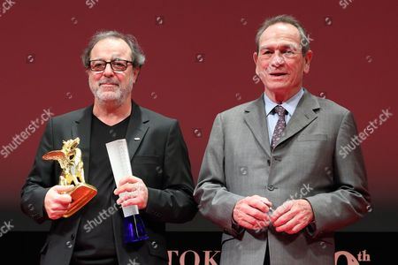 Tommy Lee Jones awards Semih Kaplanoglu Best Director