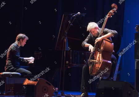 US' double bassist and composer Kyle Eastwood (R) and pianist Andrew McCormack (L) perform on stage during the Granada's Jazz International Festival opening concert played at the Isabel la Catolica theatre in Granada, southern Spain, 03 November 2017.