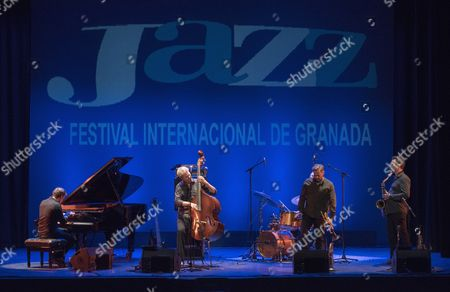 US' double bassist and composer Kyle Eastwood (2-L) an his band perform on stage during the Granada's Jazz International Festival opening concert played at the Isabel la Catolica theatre in Granada, southern Spain, 03 November 2017.