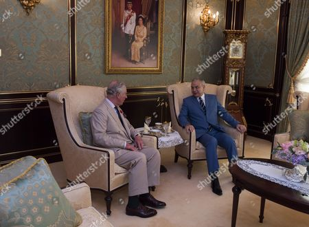 Prince Charles and Camilla Duchess of Cornwall visited His Royal Highness Sultan Nazrin Shah of Perak, Deputy Agong of Malaysia and his wife Tuanku Zara Salim, at their official residence, the Istana Iskandariah, in the royal town of Kuala Kangsar,and hade a private tea.and exchange of gifts. Prince Charles received a painting a photograph and The Duchess a water flask. the Prince presents the Sultan with a picture of him and the Duchess and a set of table place mats with prints of the Prince of Wale water colours    Background The Istana Iskandariah is the royal palace of the Perak Sultanate and the official residence of the Sultan of Perak since its completion in 1933. It is located in the royal town of Kuala Kangsar, Perak, Malaysia. All the Sultans of Perak have been installed in the palace since its completion.