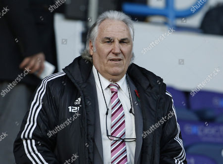 West Bromwich Albion first team coach Gerry Francis during the Premier League match between Huddersfield Town and West Bromwich Albion at the John Smiths Stadium, Huddersfield