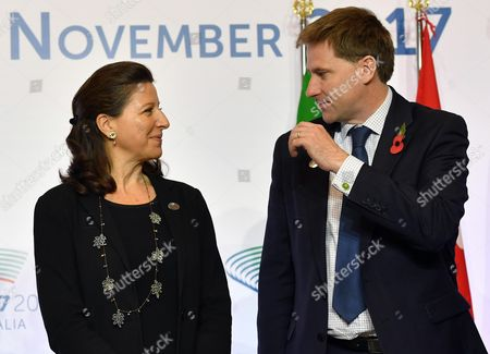 France's Minister of Health and Solidarity Agnes Buzyn (L) and Britain's Undersecretary for Public Health and Community Health Steve Brine (R) during the G7 Health Ministerial Meeting in Milan, Italy, 05 November 2017.