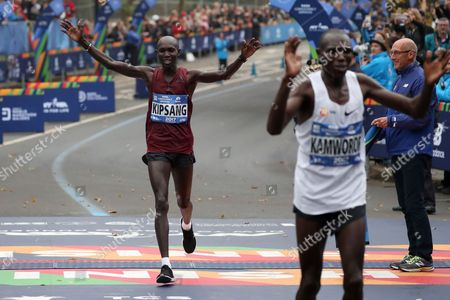 Wilson Kipsang of Kenya  (L) finishes in second place  in the Professional Men's Divisions of the New York City Marathon in New York, New York, USA, 05 November 2017