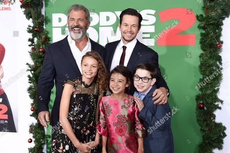 Mel Gibson, Mark Wahlberg, Owen Vaccaro, Scarlett Estevez and Didi Costine